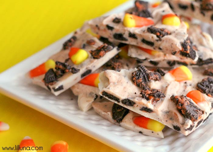 Delicious Oreo and Candy Corn Halloween Bark