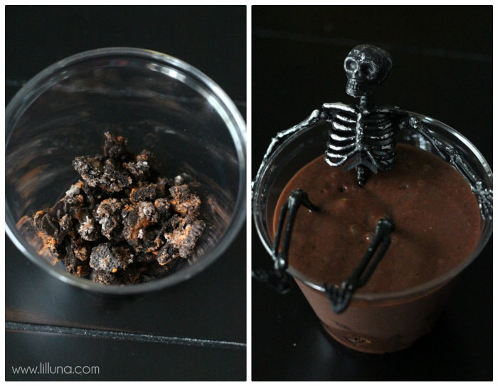 Perfect for any Halloween Party!! Skeleton Oreo Pudding Cups on { lilluna.com } Crushed oreos on the bottom, layered with chocolate pudding & more oreos!