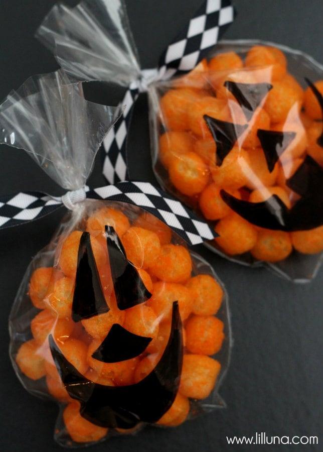 Halloween movie night gift idea for Easy fun halloween treats for school