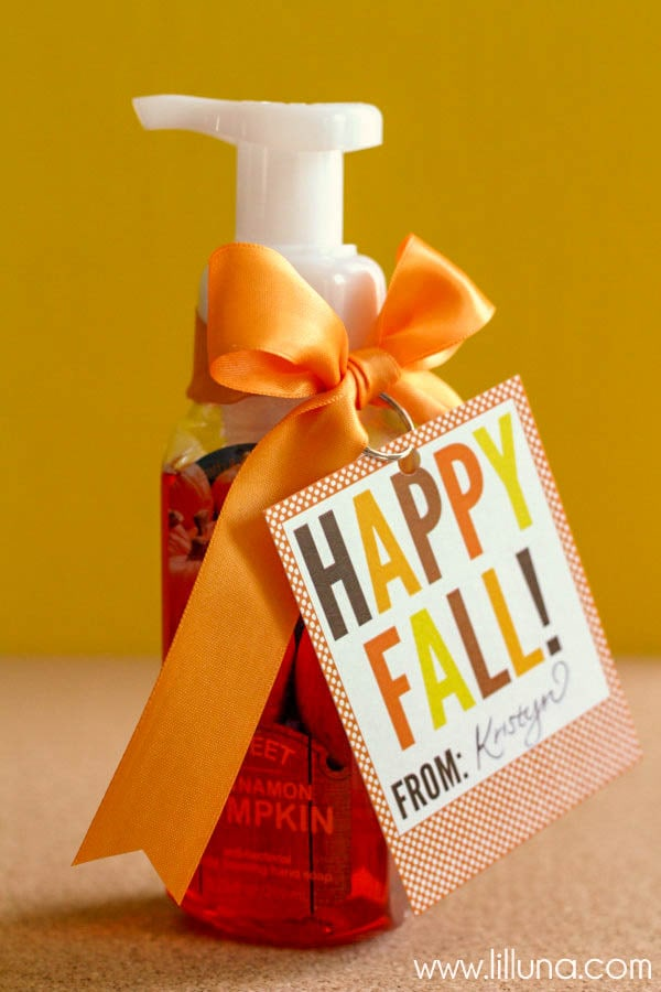 Fall Gift Idea - Just Print and attach! { lilluna.com } So cute & inexpensive!