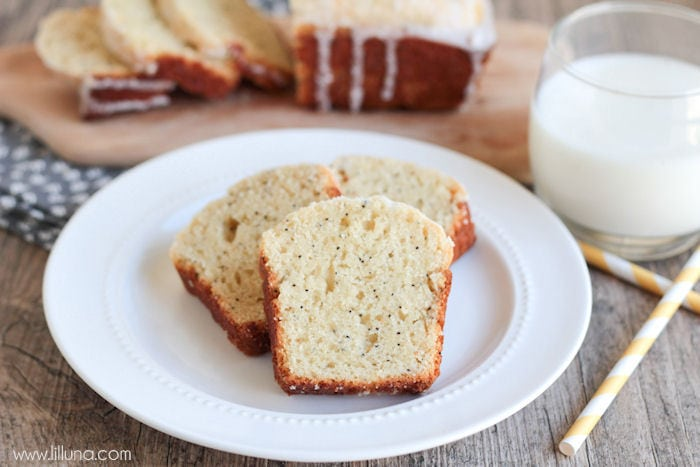 Delicious Glazed Almond Poppy Seed Bread - no yeast involved and so good! { lilluna.com } Glaze is made with almond extract, lemon juice, powdered sugar & milk.