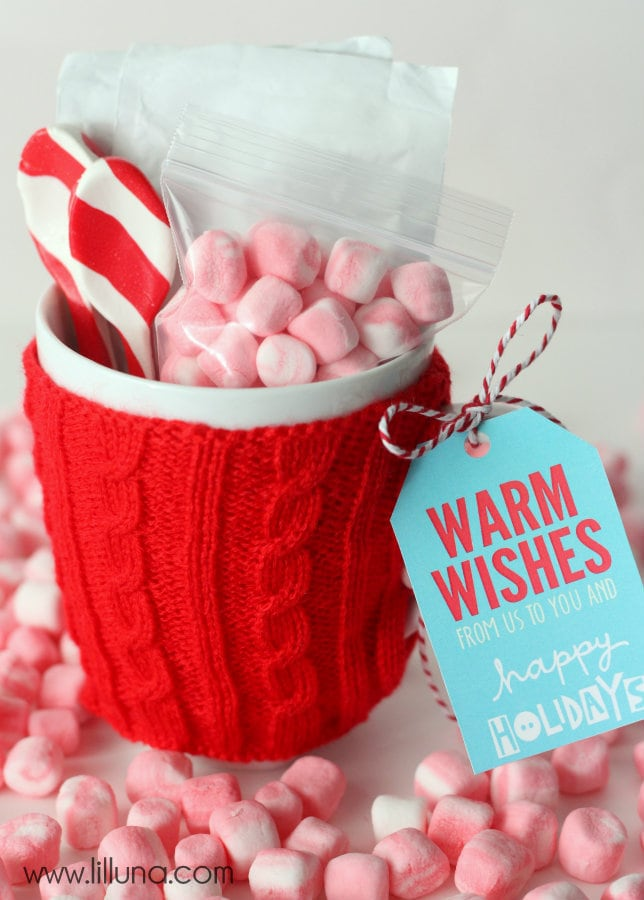 Hot Cocoa Gift idea with free tags - CUTE! This is an inexpensive, but thoughtful gift!