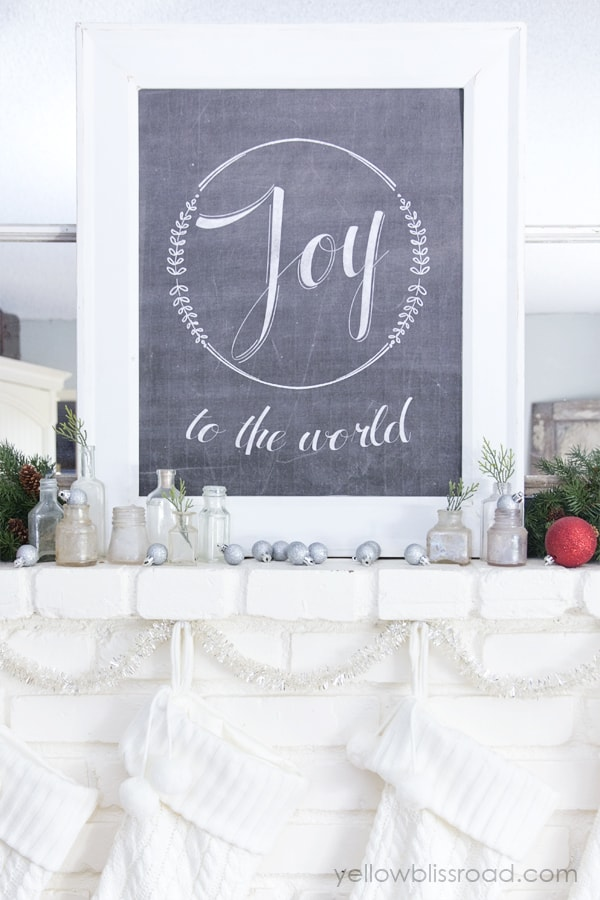 christmas-mantel-with-free-printable-2