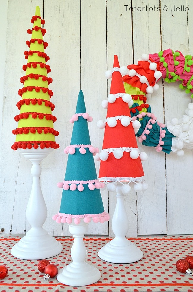 pom-pom-holiday-trees-at-tatertots-and-jello