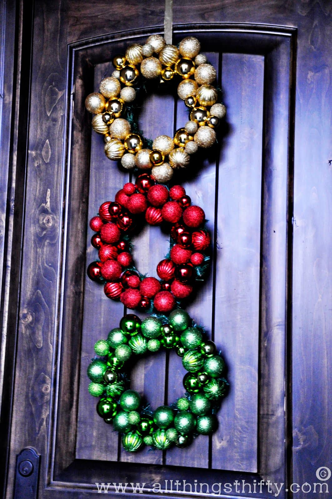 25+ Christmas Decor Ideas - tons of very cute and creative decor ideas for Christmas! { lilluna.com }