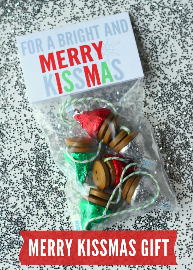 Bright and Merry Kissmas Gift Idea { lilluna.com }