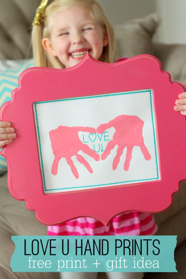 Cute LOVE U Hand Prints printable - perfect gift for Valentine's Day! { lilluna.com } Simple and the kids will have fun making it.