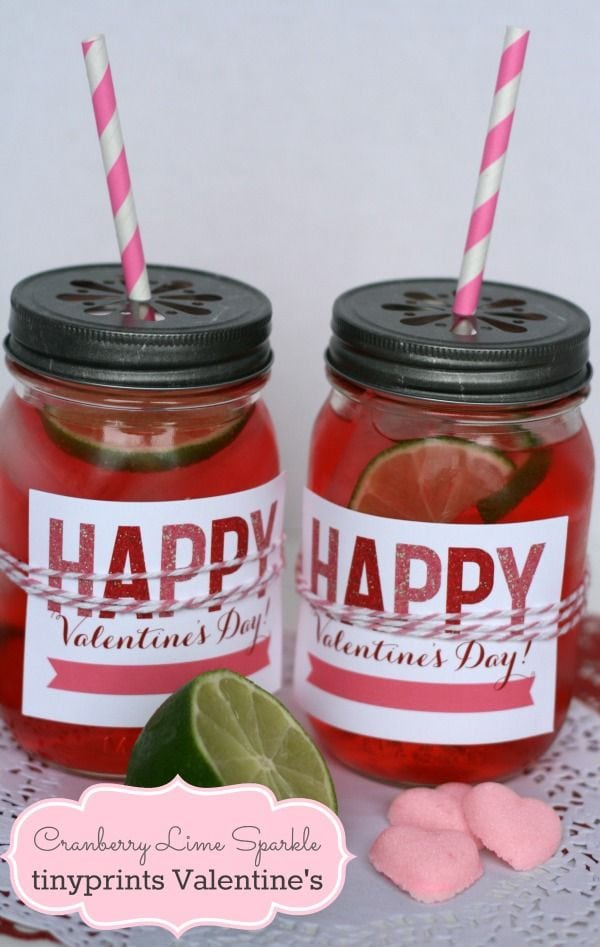 25+ Valentines Decor & Party Ideas on { lilluna.com } Cute and easy ideas for your Valentine's party!