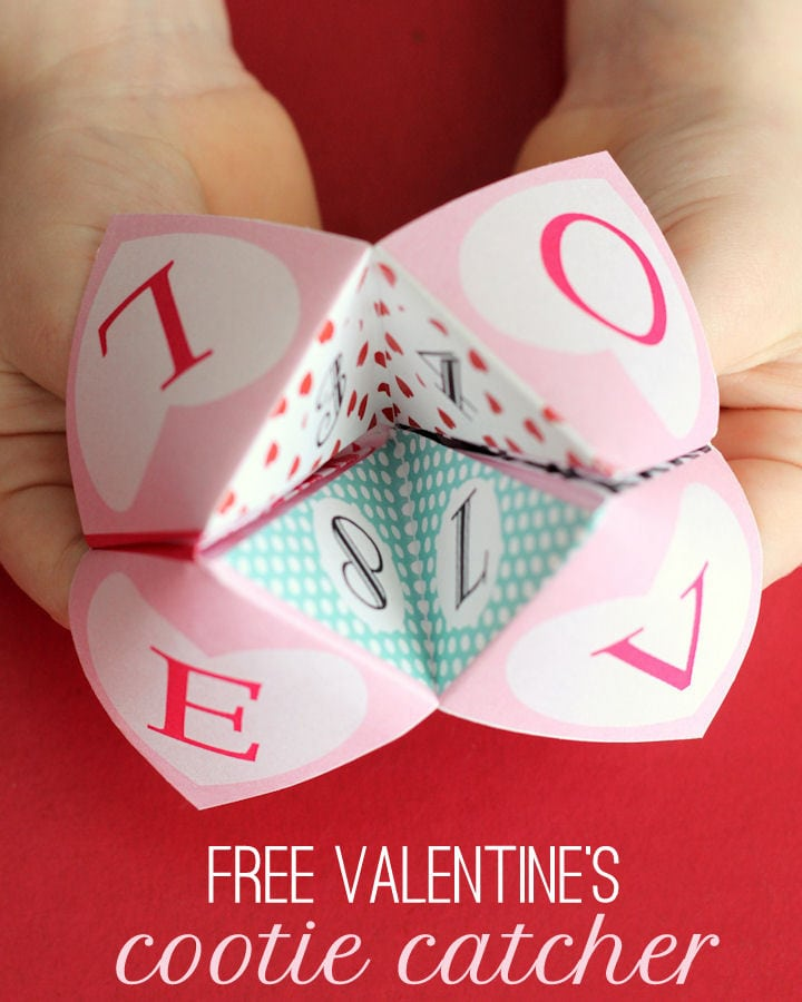Free Printable Valentine's Cootie Catcher { lilluna.com } How cute and fun are these childhood favorites!