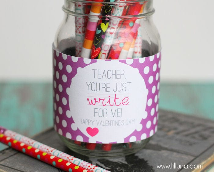 EASY and CUTE Valentine's Day Teacher Gift and FREE print on { lilluna.com } Just fill with pencils, pens, whatever a teacher needs!