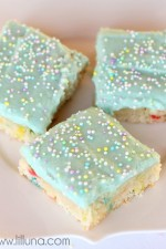 YUMMY Funfetti Blondies { lilluna.com }