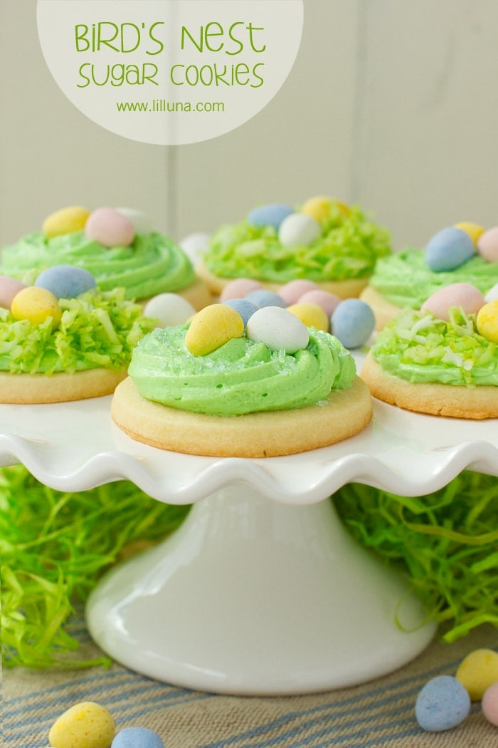 Super CUTE and DELICIOUS Bird's Nest Sugar Cookies - perfect for Easter! { lilluna.com } Soft cookies with a creamy, delicious frosting and your choice of topping!