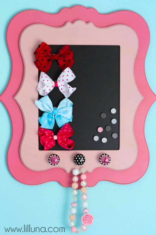 Adorable Magnetic Bow Holder - love this!