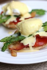 Delicious Eggs Benedict with Asparagus recipe { lilluna.com } - Copy
