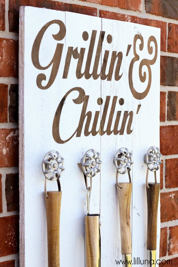 grillin-and-chillin-sign-7