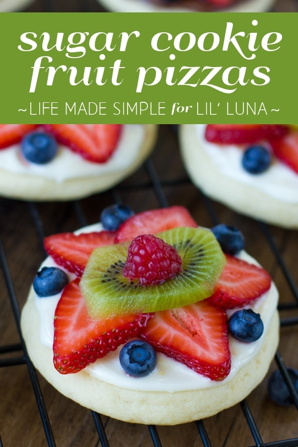 Sugar Cookie Fruit Pizzas recipe - YUM! { lilluna.com } Bite size fruit pizzas!