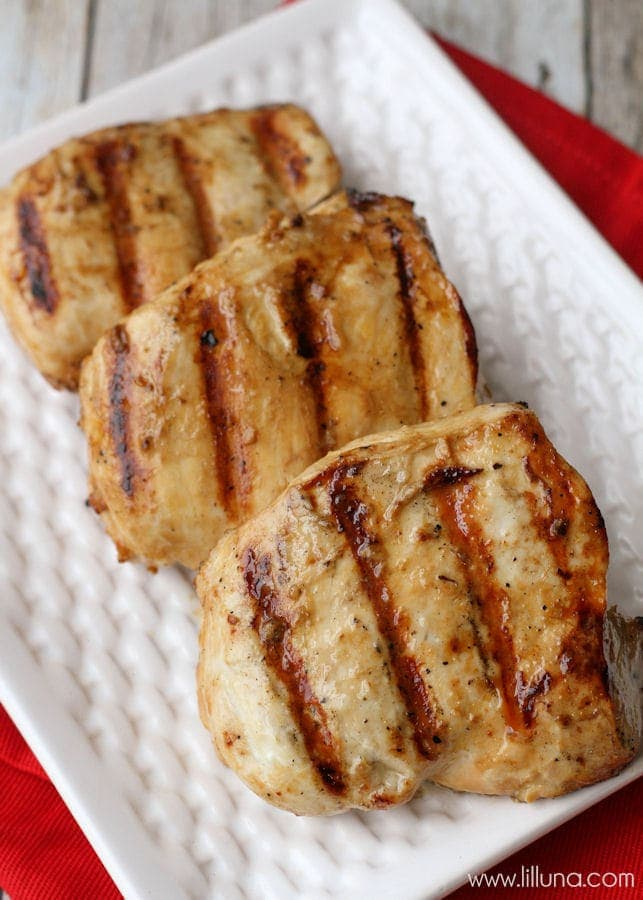 A great Chicken Marinade recipe - perfect for anyone who loves chicken! { lilluna.com } Ingredients include lemon pepper, lemon juice, worcestershire sauce, garlic, and vinegar.