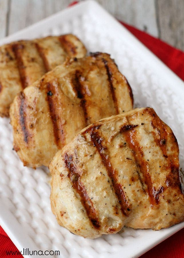 The BEST Chicken Marinade recipe - easy and delicious! { lilluna.com }