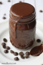 homemade-chocolate-fudge-sauce-4
