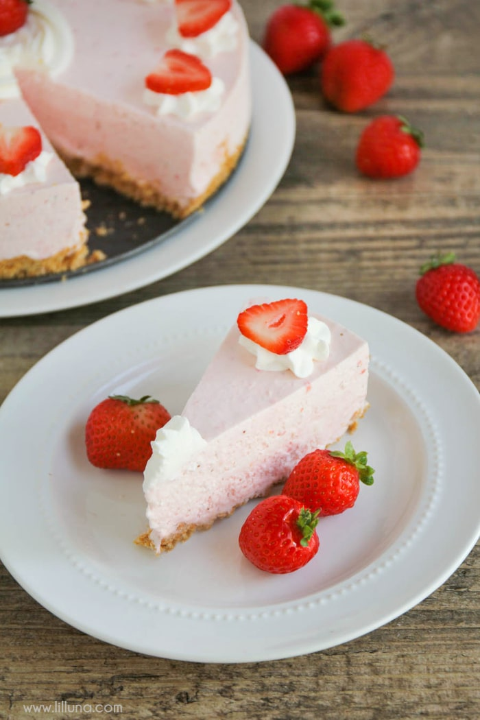 Strawberry Freezecake - a delicious, cool treat filled with all your favorite ingredients to enjoy this summer!