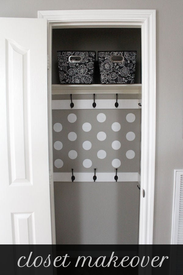 Organized and functional Closet Makeover tutorial on { lilluna.com } Great ideas to help inspire your own makeover!!