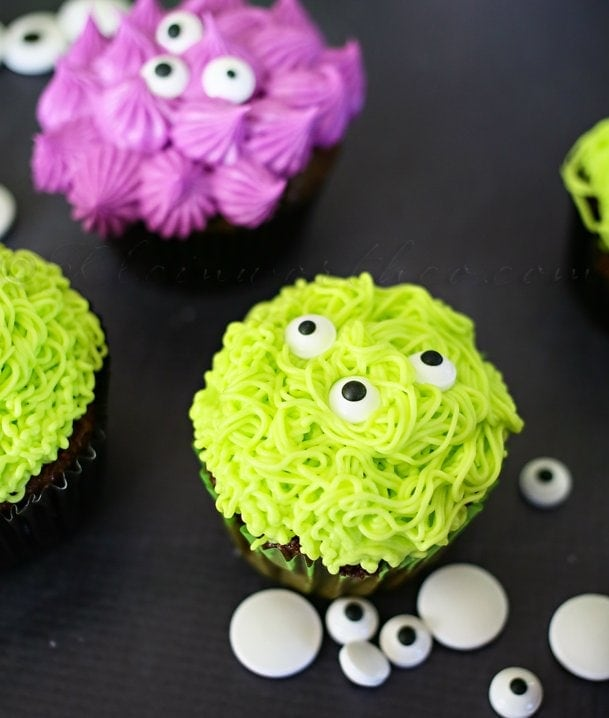 Monster Cupcakes by Gina @ Kleinworth & Co.