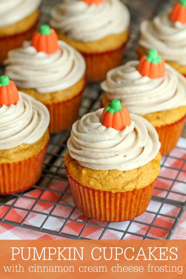 Soft and delicious Pumpkin Cupcakes with Cinnamon Cream Cheese Frosting! Recipe on { lilluna.com }. These are so good!!
