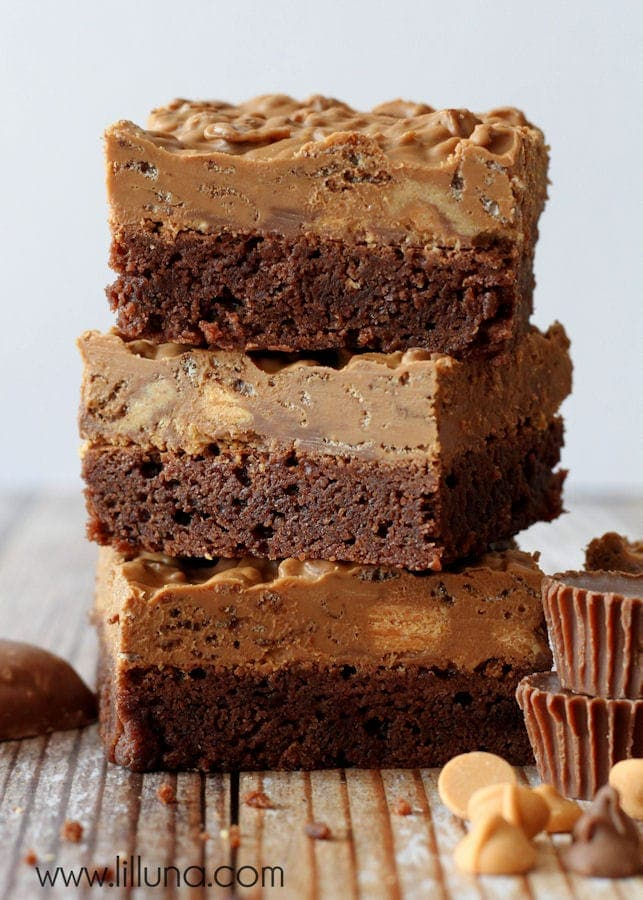 Delicious BOMB Brownies that are to die for! Reese's, Butterfingers, lot of chocolate chips and more! { lilluna.com }