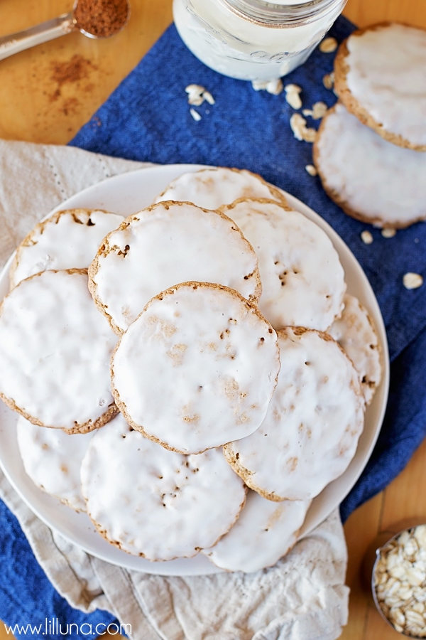 Old Fashioned Iced Oatmeal Cookies recipe. Takes like Mother's Old Fashioned Iced Cookies, but better!!