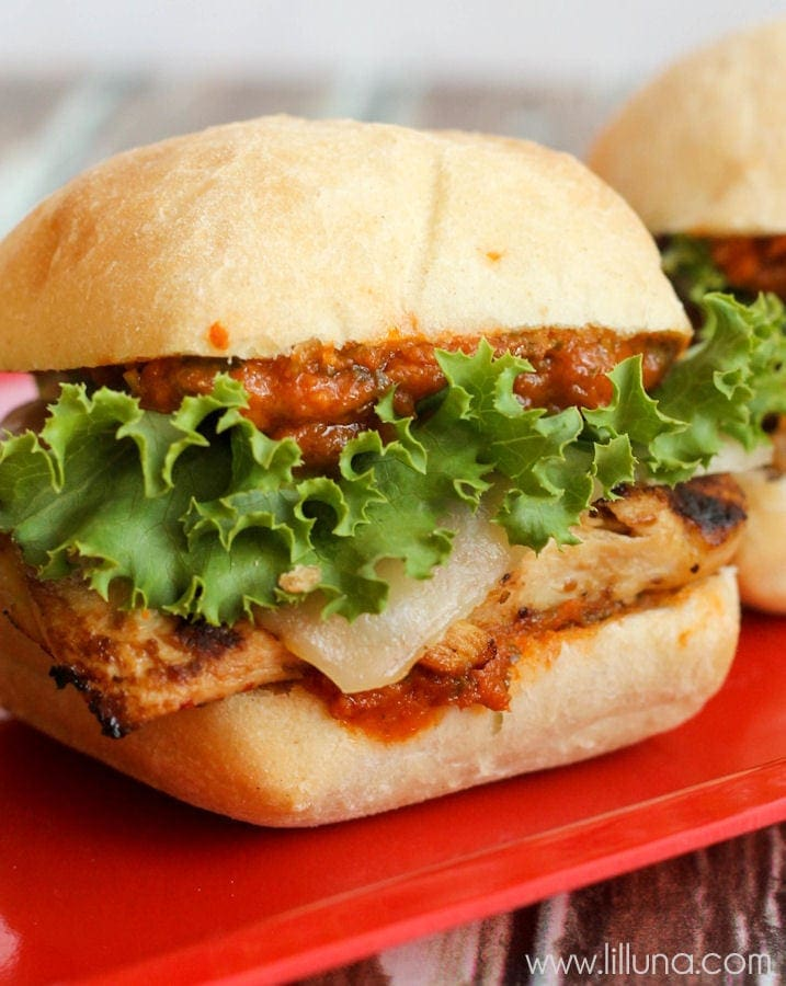 Delicious Chicken Parmesan Sliders { lilluna.com } Chibata buns filled with grilled chicken, provolone cheese, lettuce, and marinara sauce!