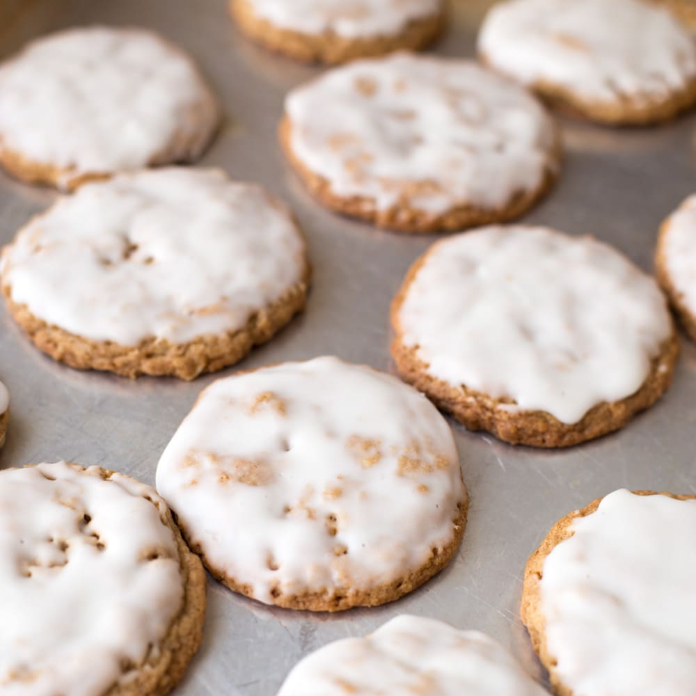 Iced oatmeal cookies recipe