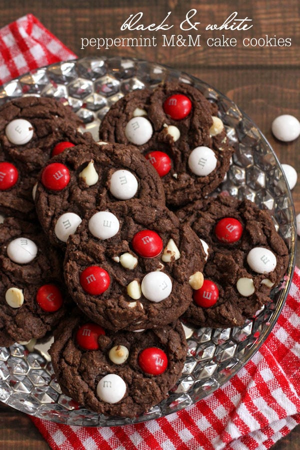 DELICIOUS Black and White Chocolate Peppermint M&M Cake Cookies { lilluna.com }