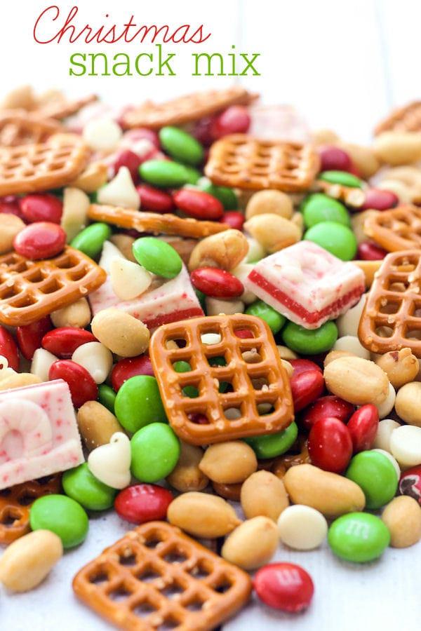 Christmas Snacks.Christmas Snack Mix