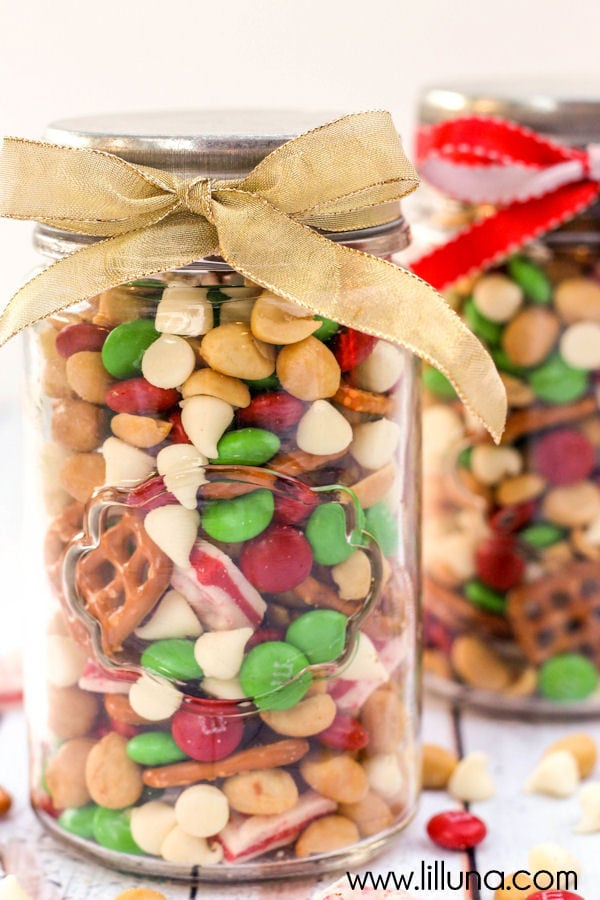 snack mixes in a jar for christmas