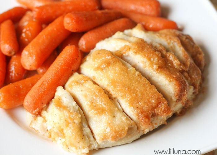 A delicious Parmesan Chicken Bake that is healthy, simple and takes little prep time. { lilluna.com }