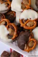 Pretzel Snickers Bites