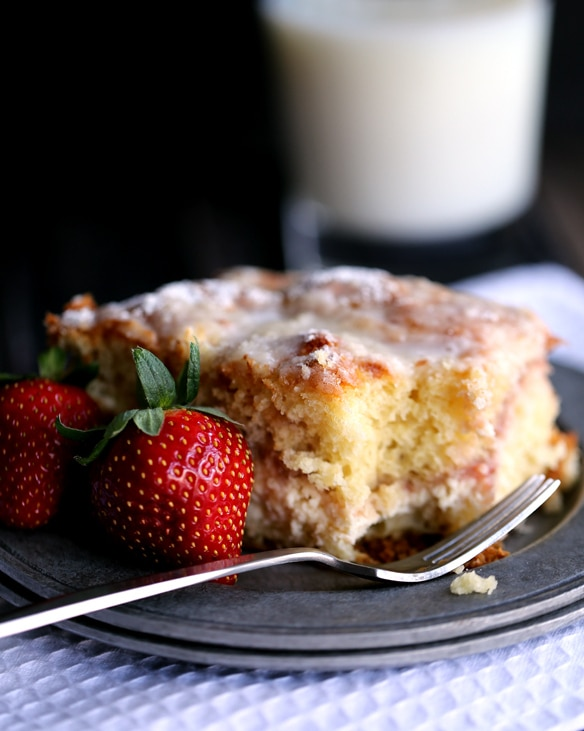 strawberries-and-cream-coffee-cake-mm