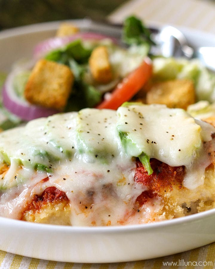 vocado Chicken Parmigiana - a delicious seared chicken topped with marinara sauce, cheese and avocado. YUM! { lilluna.com }
