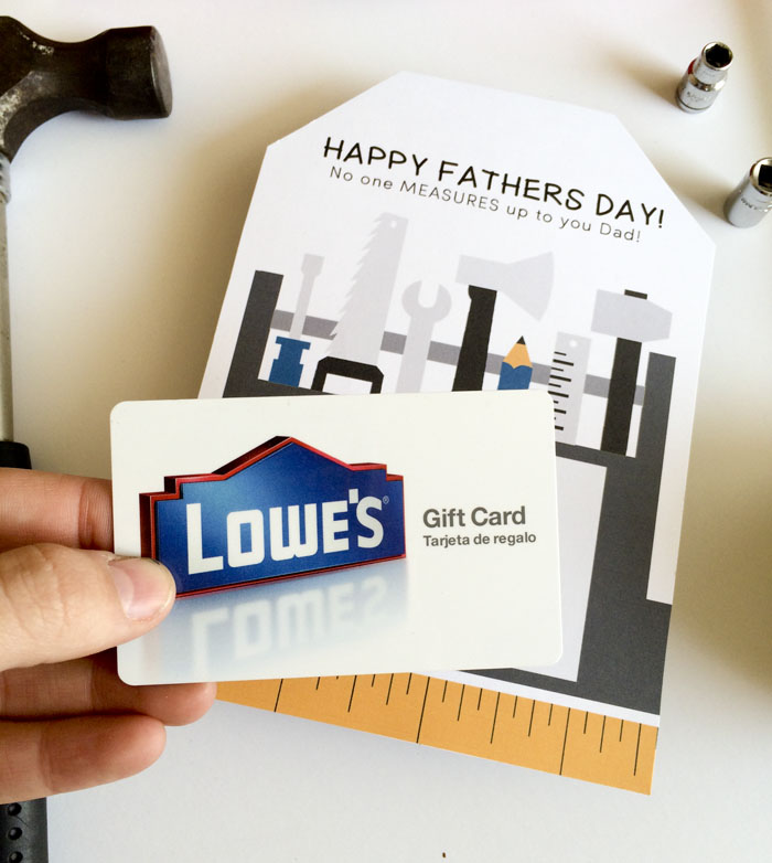 FREE Father's Day Printable Card that you can easily attach a gift card to - PERFECT! { lilluna.com }