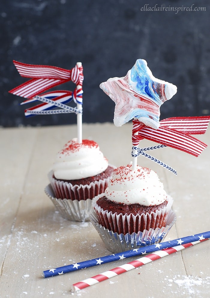 These adorable 4th of July Marshmallow Cupcake Toppers are kid-friendly and delicious! Easy to make and full of flavor!!