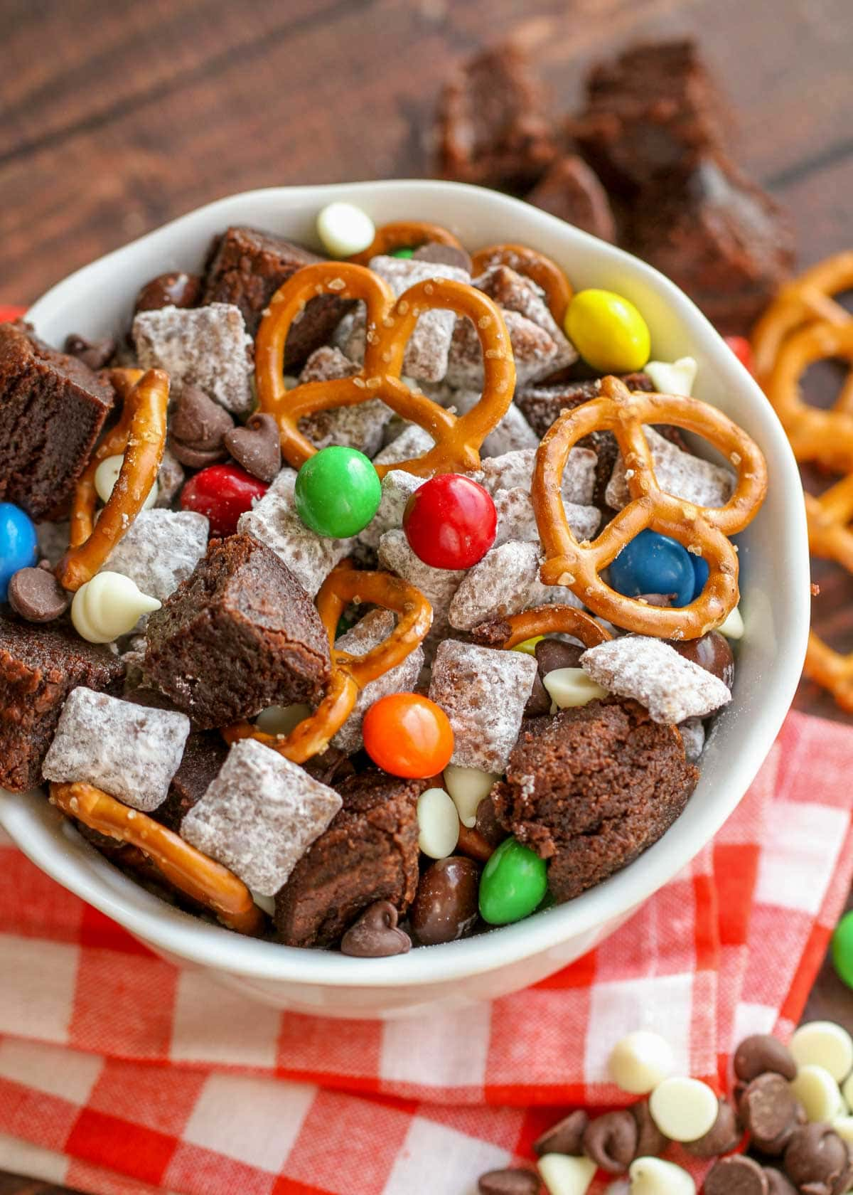 brownie puppy chow mix in a white bowl