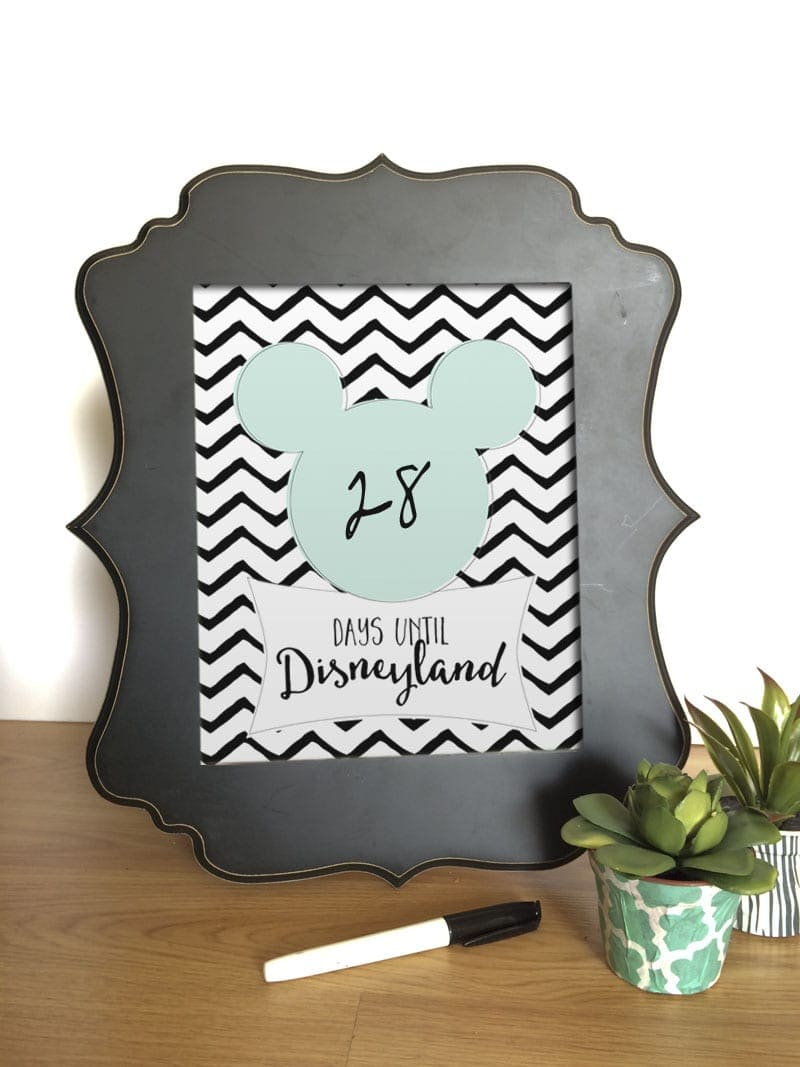FREE Countdown to Disney Prints - for Disneyland AND Disneyworld. Head to { lilluna.com } for the free printables! Kids will get excited seeing that number go down!!