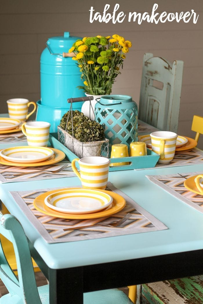 Beautiful Table Makeover tutorial on { lilluna.com } Not hard at all to get the perfect color table you want!