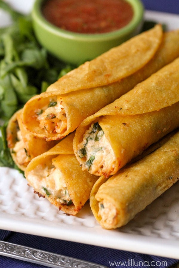 You will love these Cream Cheese and Chicken Taquitos. They are a great dinner recipe that the whole family will enjoy!