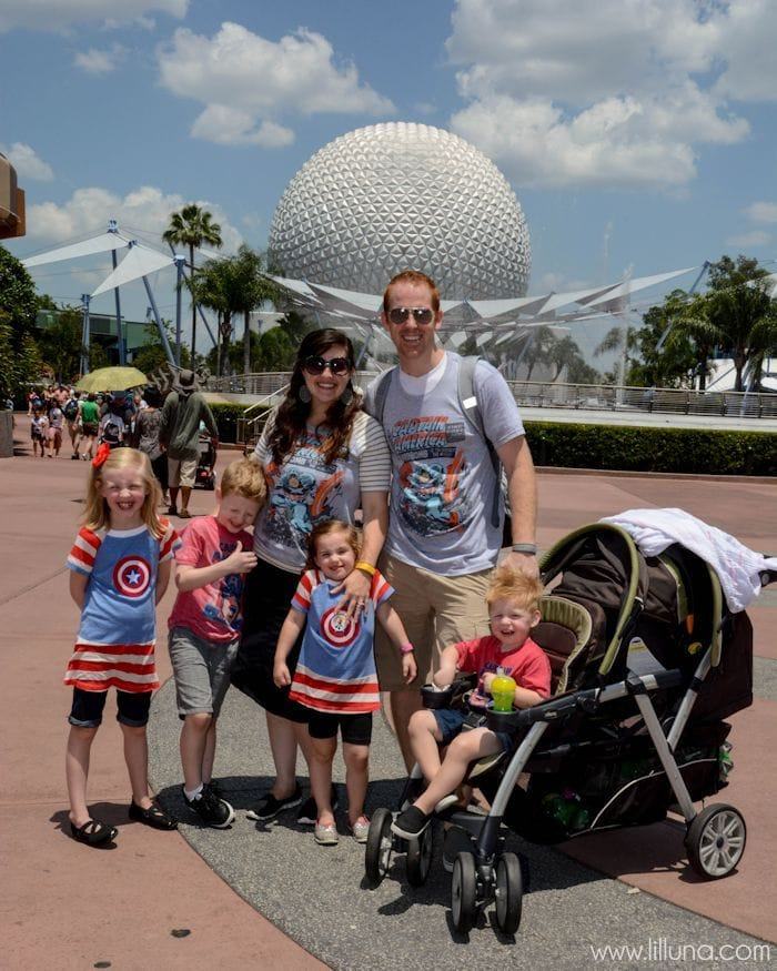 Tips & Tricks on What to Wear To Disneyland. Great ideas to help you as you prepare for your Disney adventure!