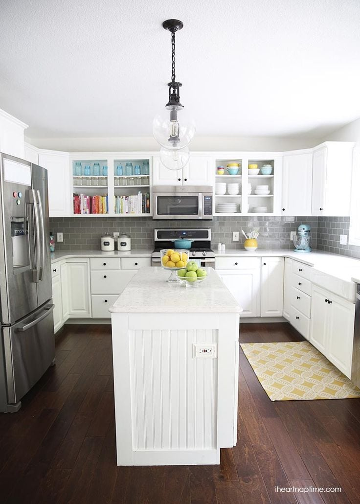 Pretty kitchens for Kitchen pics