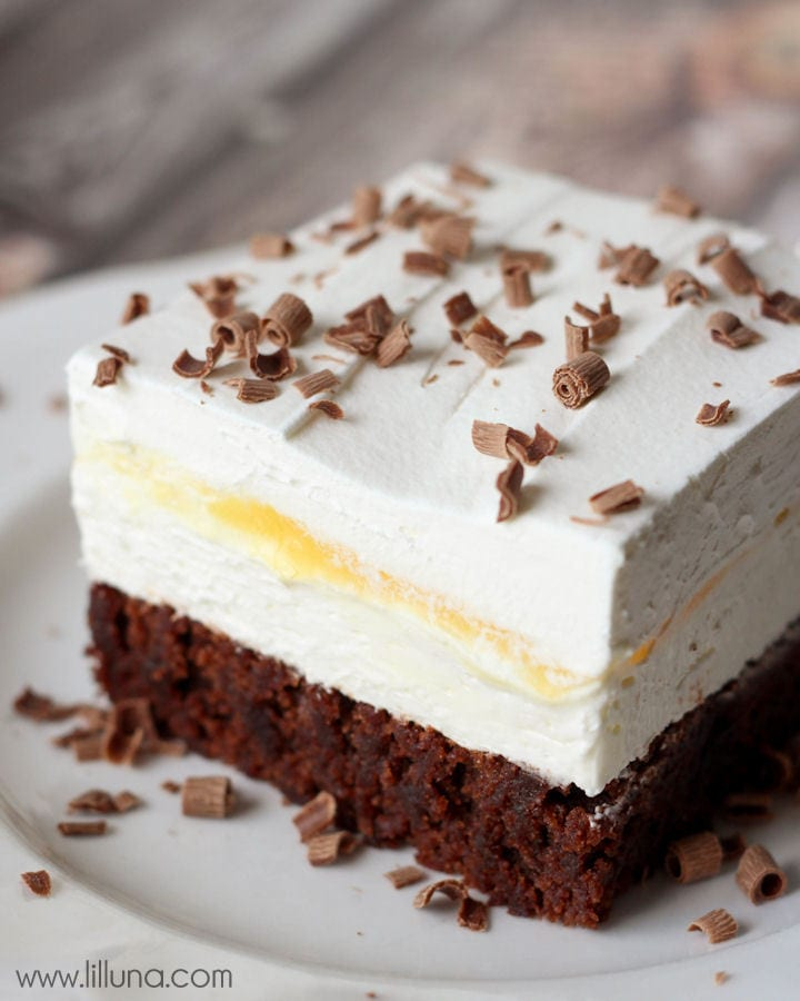Brownie Delight - a delicious 4-layer dessert that is cool, creamy and chocolate-y. { lilluna.com }