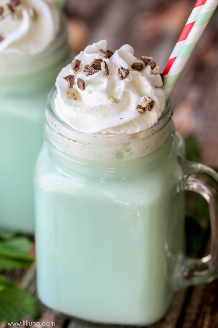 DELICIOUS Mint and White Chocolate Hot Cocoa - it will be your new ...