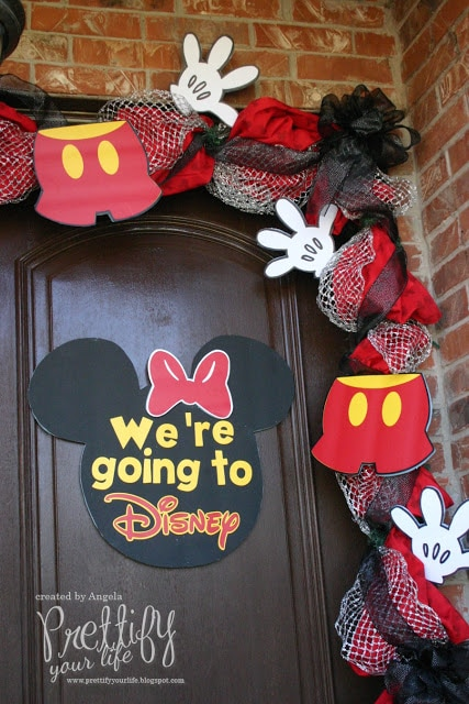 10 Creative Ways To Reveal A Disney Vacation