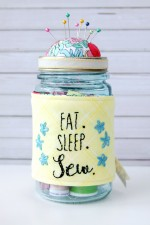 Easy Embroidered Mason Jar Pincushion
